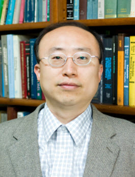 Professor LEE Wonjong, Leader of SNU Lattice Gauge Theory Research Center